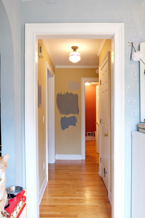The small hallway plans for a quick makeover fretting - Small entryway paint colors ...