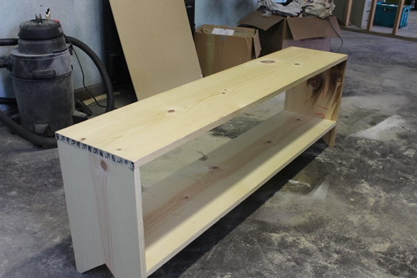 Dave Tells Us How to Build a Bench with Shoe Storage -